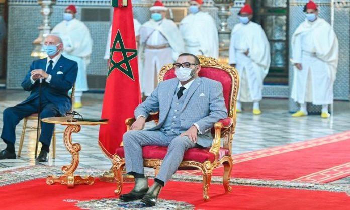 SM le Roi préside la cérémonie de lancement et de signature de conventions relatives au projet de fabrication et de mise en seringue au Maroc du vaccin anti-Covid19 et autres vaccins