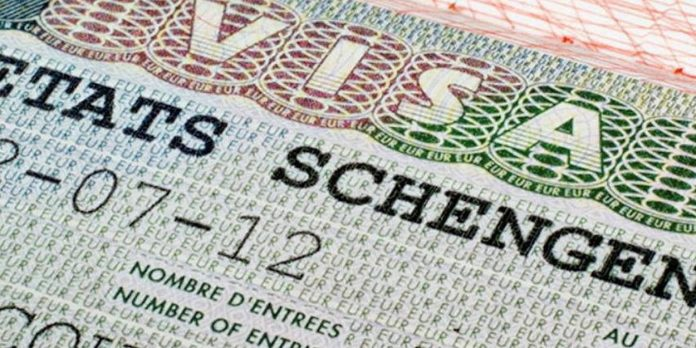 Crise des visas Schengen : la France a inclus le Maroc et la Tunisie pour ne pas brusquer l'Algérie